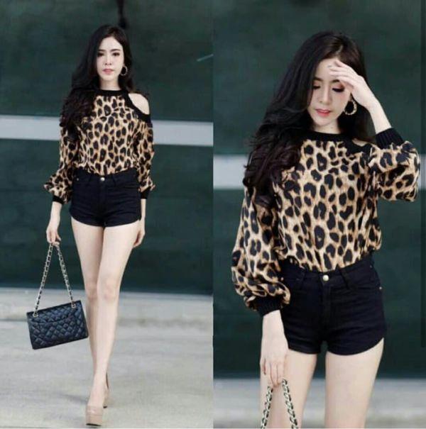 Model Baju Atasan Wanita Bahu Bolong Loreng