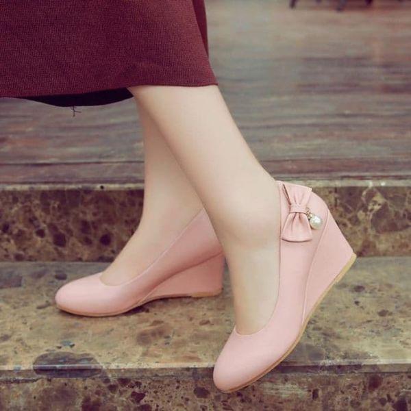 Sepatu Pantofel Wedges Tinggi Wanita Cantik