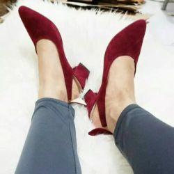 Sepatu High Heels Pantofel Bahan Suede Hak Tahu