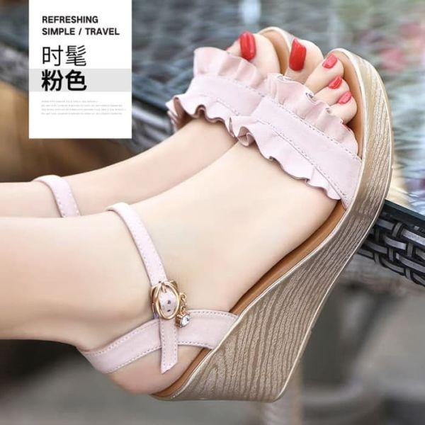 Sepatu Sandal Wedges Tinggi Cantik Model Terbaru