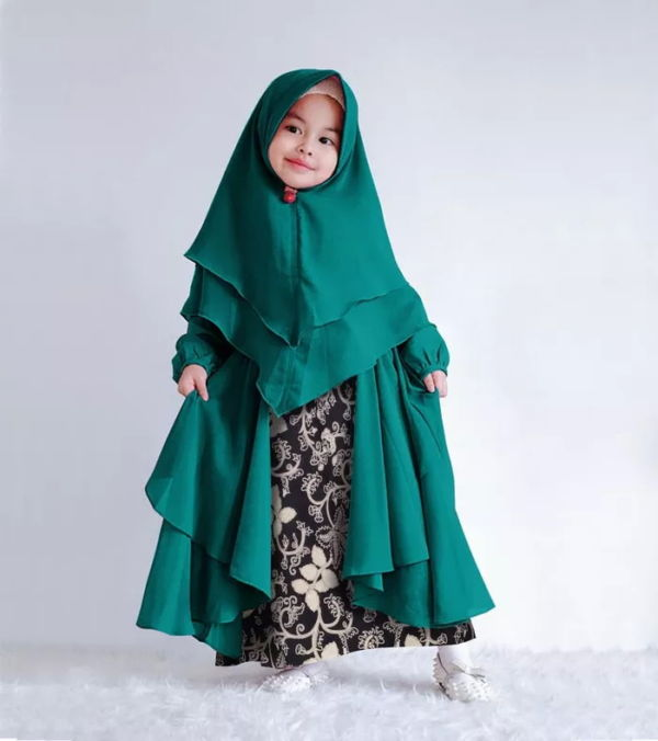 Setelan Baju Gamis Syari Anak Motif Batik