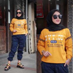 One Set Baju dan Celana Panjang Olahraga Wanita